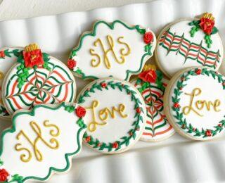 Christmas weddings are my favorite 🎄❤️ . . . #christmaswedding #christmas2020 #weddingcookies #Ido #dcweddings #dcwedding #dcbride #virginiawedding #cookiedecorating #customcookies #timeforcookies #sugarcookies #sugarcookiedecorating #cookiesthatinspire #cookieideas #cookieart #royalicingcookies #cookier #instacookies #cookieoftheday #cookielove #cookieboss #cookiegram #virginiabaker #novabaker #dmvfoodie #virginiabakery #virginiabakers #dmvfoodie #northernvirginia #dcsmallbusiness