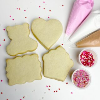 As promised, we've got another facebook live stream set-up for Valentines Day! I'll be partnering up with @franscakeandcandy to host this event! The cookie kits we'll be working on include a Teddy, Cupcake, Heart and Love Letter❤️ Each kit contains 8 cookies, 3 royal icing bags and 2 containers of sprinkles! Pre-order early next week at  @franscakeandcandy website to join me for the online class ❤️ . . .  #cookiedecorating #customcookies #timeforcookies #sugarcookies #sugarcookiedecorating #cookiesthatinspire #cookieideas #cookieart #royalicingcookies #cookier #instacookies #partycookies #cookieoftheday #cookielove #cookieboss #cookiegram #virginiabaker #novabaker #novamom #dmvfoodie #virginiabakery #virginiabakers #dmvfoodie #fairfaxva #fairfaxvirginia #northernvirginia #dcsmallbusiness #dcfood #valentinecookies #valentinecookiekit