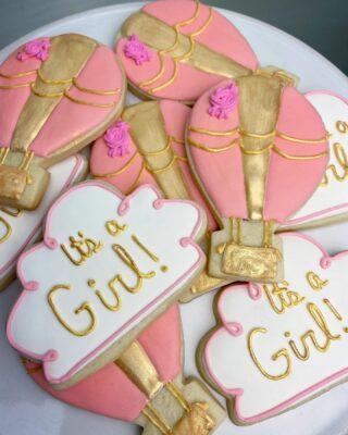 🌸💗 Congratulations! . . .  #cookiedecorating #customcookies #timeforcookies #sugarcookies #sugarcookiedecorating #cookiesthatinspire #cookieideas #cookieart #royalicingcookies #cookier #instacookies #partycookies #cookieoftheday #cookielove #cookieboss #cookiegram #virginiabaker #novabaker #novamom #dmvfoodie #virginiabakery #virginiabakers #dmvfoodie #fairfaxva #fairfaxvirginia #northernvirginia #dcsmallbusiness #dcfood #babyshower #itsagirl