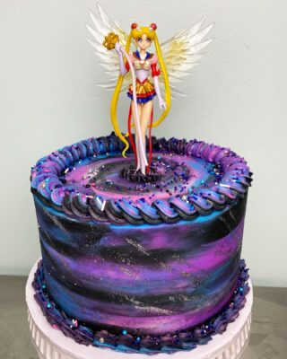 Sailor moon 🌙 💫✨ . . .  #instabakes #instabakers #funcakes #funcakes #BakerLife #cakesdaily #cakesinstyle #cakeinspo #cakesofinstagram #cakedecorating #cakedesign  #cakedecorators #buzzfeedfood #cakegram #thebakefeed #sweettooth #instacake #virginiabaker #dmvfoodie #buttercreamlove #buttercreamdesign #sailormoon #sailormooncake #sailormoonbirthday