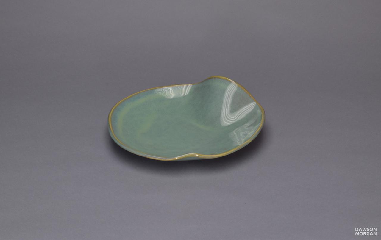 Dishware_Vertigris_Glossy_Small_Oval_8x8x2