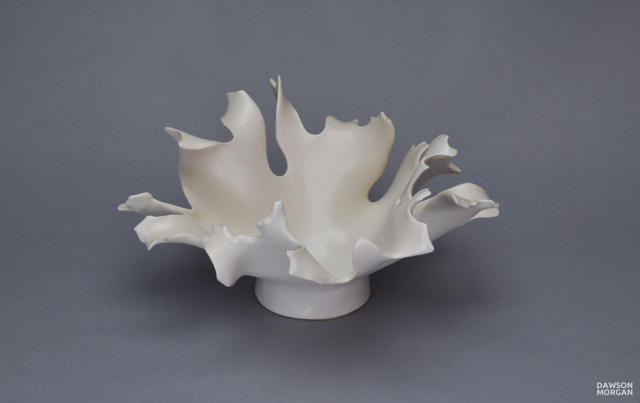White Centerpiece_White_Matte_Medium_Round_12x12x7