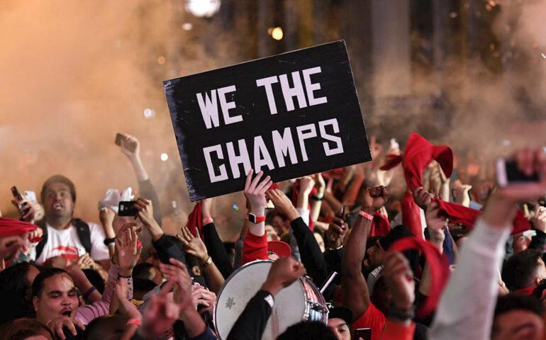 Toronto Raptors fan celebrate victory