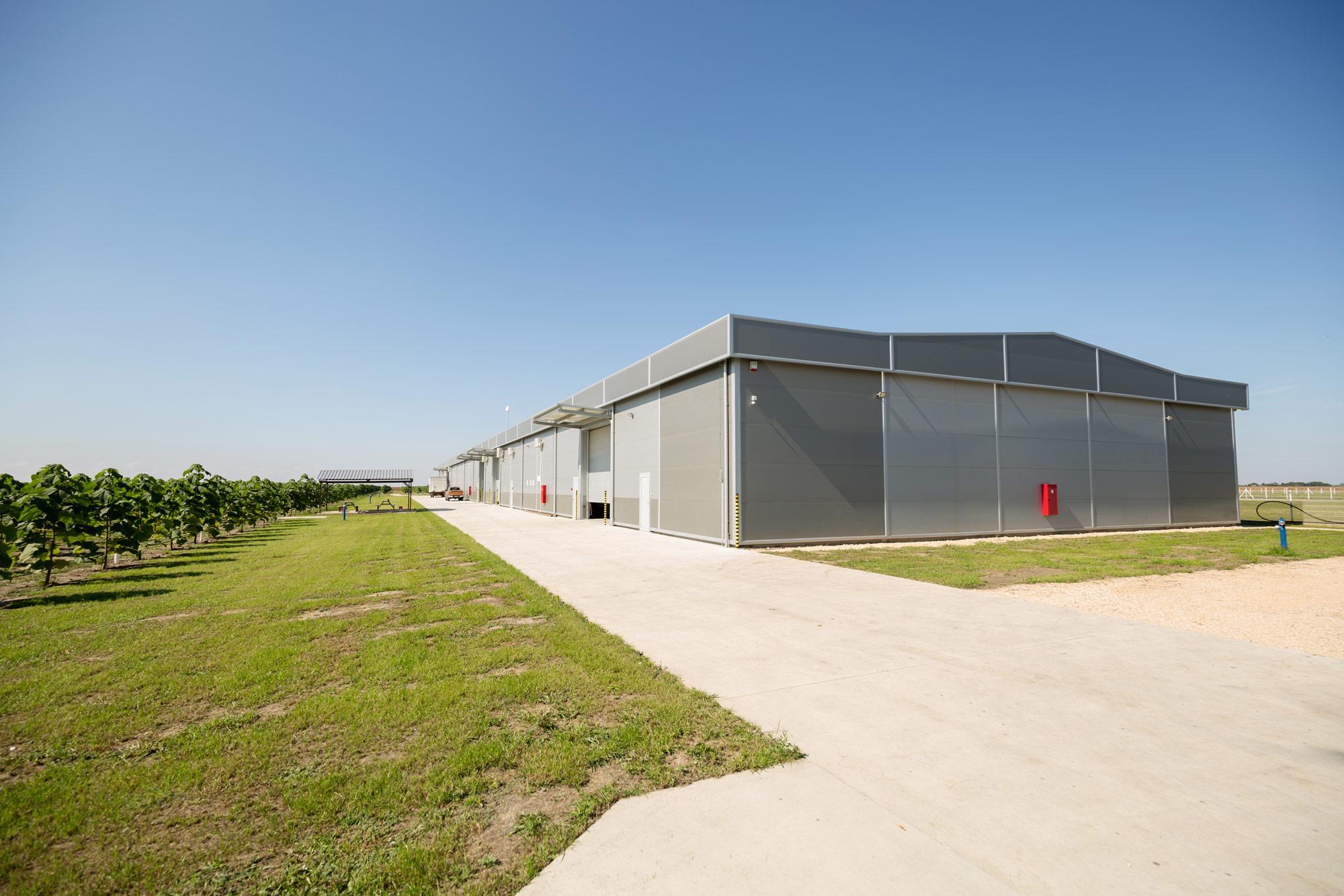 warehouse-exterior-2021