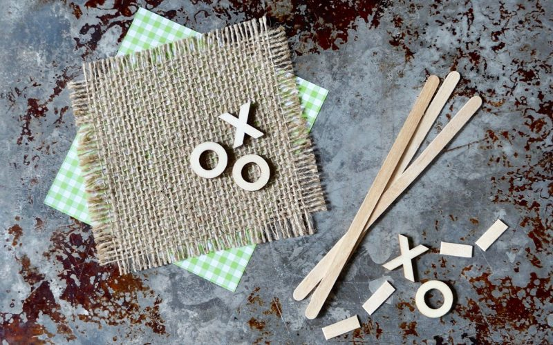 How To make A Tailgating Tent Plaque By Rebecca Gordon Buttermilk Lipstick TV Cooking Personality Tide & Tigers Today Tailgate Host WBRC fox 6 Birmingham Alabama Sports Entertaining Tailgating Expert Editor-in-Chief Southern Lifestyle Tailgating & entertaining brand