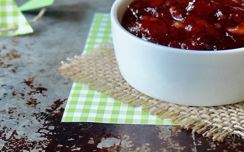 Game-Day-Entertaining-Cranberry-Relish-Tailgating-Recipes-Rebecca-Gordon-Buttermilk-Lipstick-Tailgating-Appetizers-Southern-Entertaining-Southern-Hostess-Gameday-Recipes