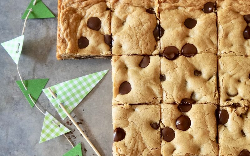 Tailgating Recipes. Game Day Blondies By Rebecca Gordon Editor-In-Chief Buttermilk Lipstick Culinary & Entertaining Techniques Cooking & Baking Tutorials TV Cooking Personality Modern Southern Socials Pastry Chef Writer Food Stylist Tailgating Recipes Game Day Southern Hostess Southern Entertaining