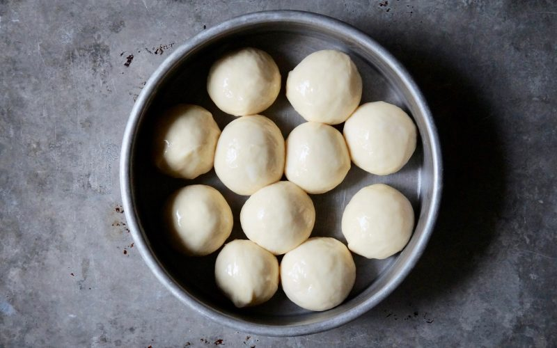 Baking-Rolls-How-To-Make-Enriched-Doughs-Butter-Rolls-Rebecca-Gordon-Editor-In-Chief-Buttermilk-Lipstick. Pan-Style-Butter-Rolls-Bread-Baking-Tutorial-How-To-Make-Pan-Rolls-Holiday-Dinner-Rolls-Roll-Styles-Roll-Shaping-Techniques-RebeccaGordon-ButtermilkLIpstick-Southern-Entertaining-Southern-Hostess-Party-Menu-Party-Recipes