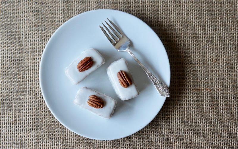 Southern-Entertaining-Rebecca-Gordon-Buttermilk-Hummingbird-Petit Fours-Buttermilk-Lipstick-Southern-Hostess-Cooking-Baking-Tutorials-How-To-Make-Petits-Four-Baking-Tutorial-Rebecca-Gordon-Pastry-Chef-TV-Personality-Birmingham-Alabama