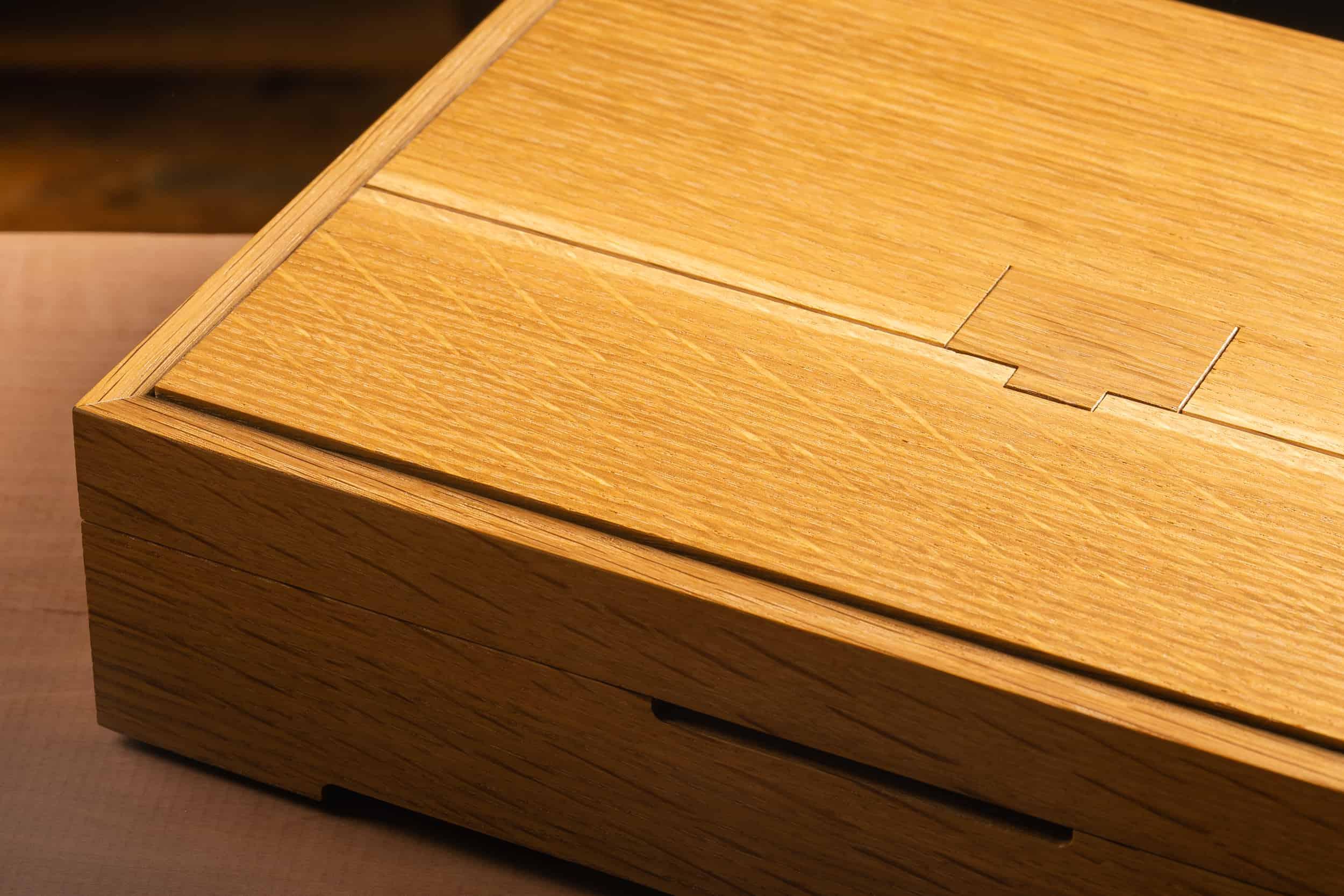 Oak Jewelry Box: L. Kahn