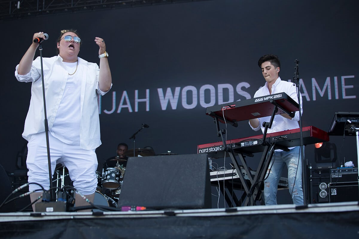 elijah woods x jamie fine at bluesfest