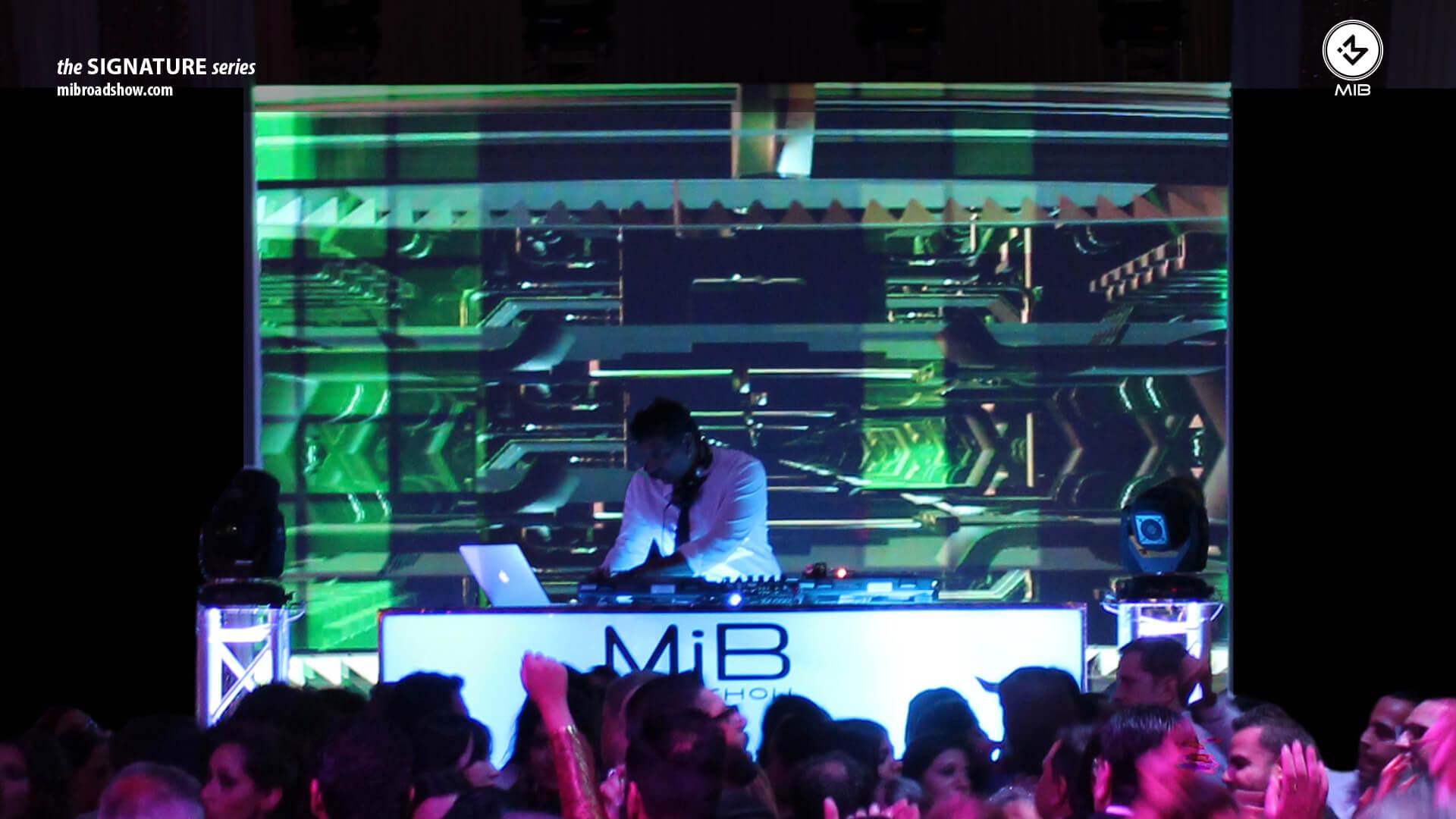 MIB Slider 1