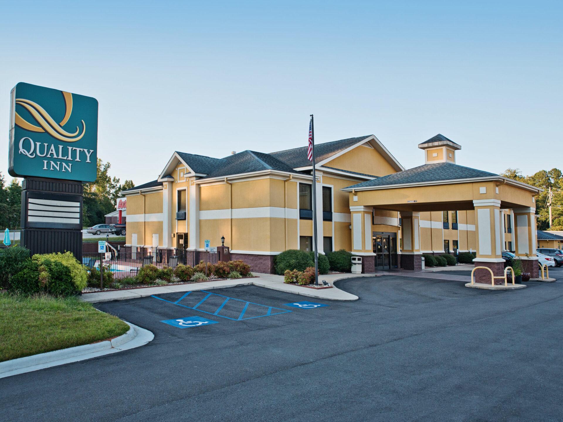 Quality Inn Alexander City, AL