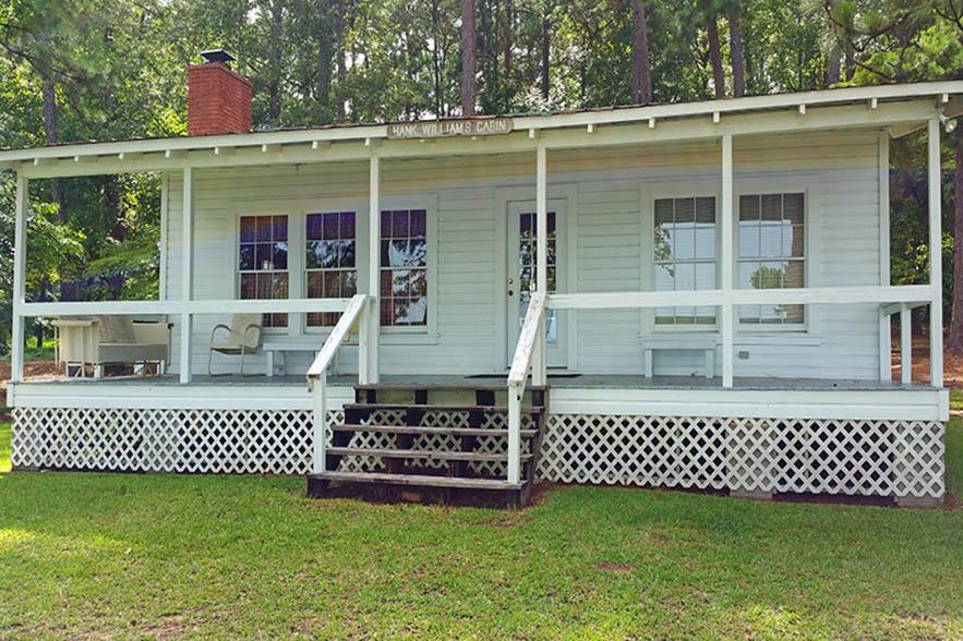 hank williams cabin
