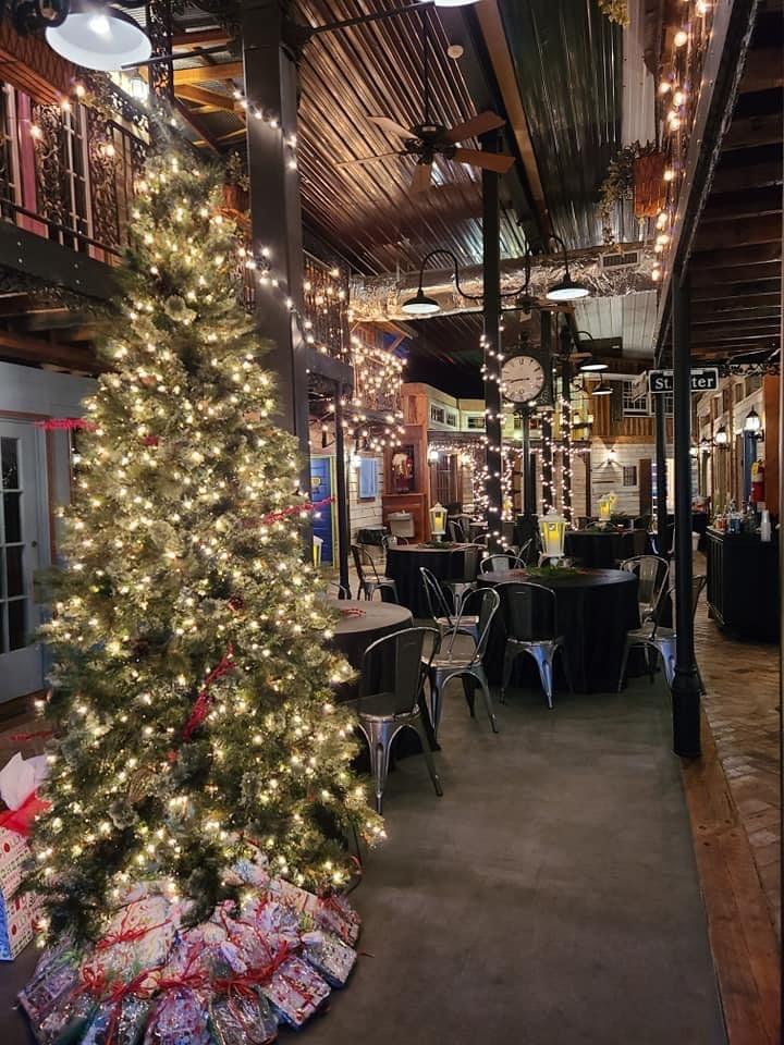 Christmas tree and tables