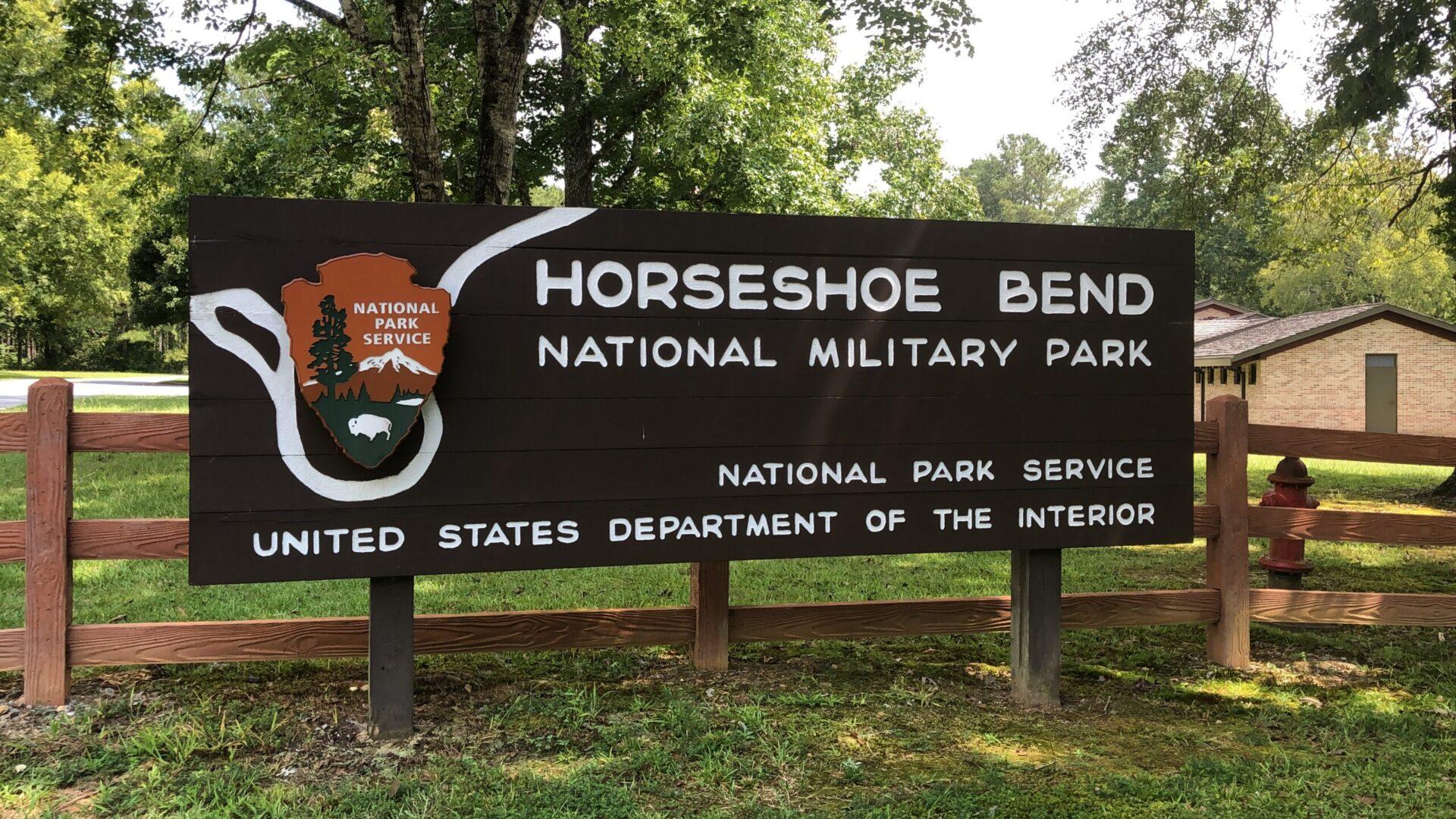 horseshoe bend national military park sign