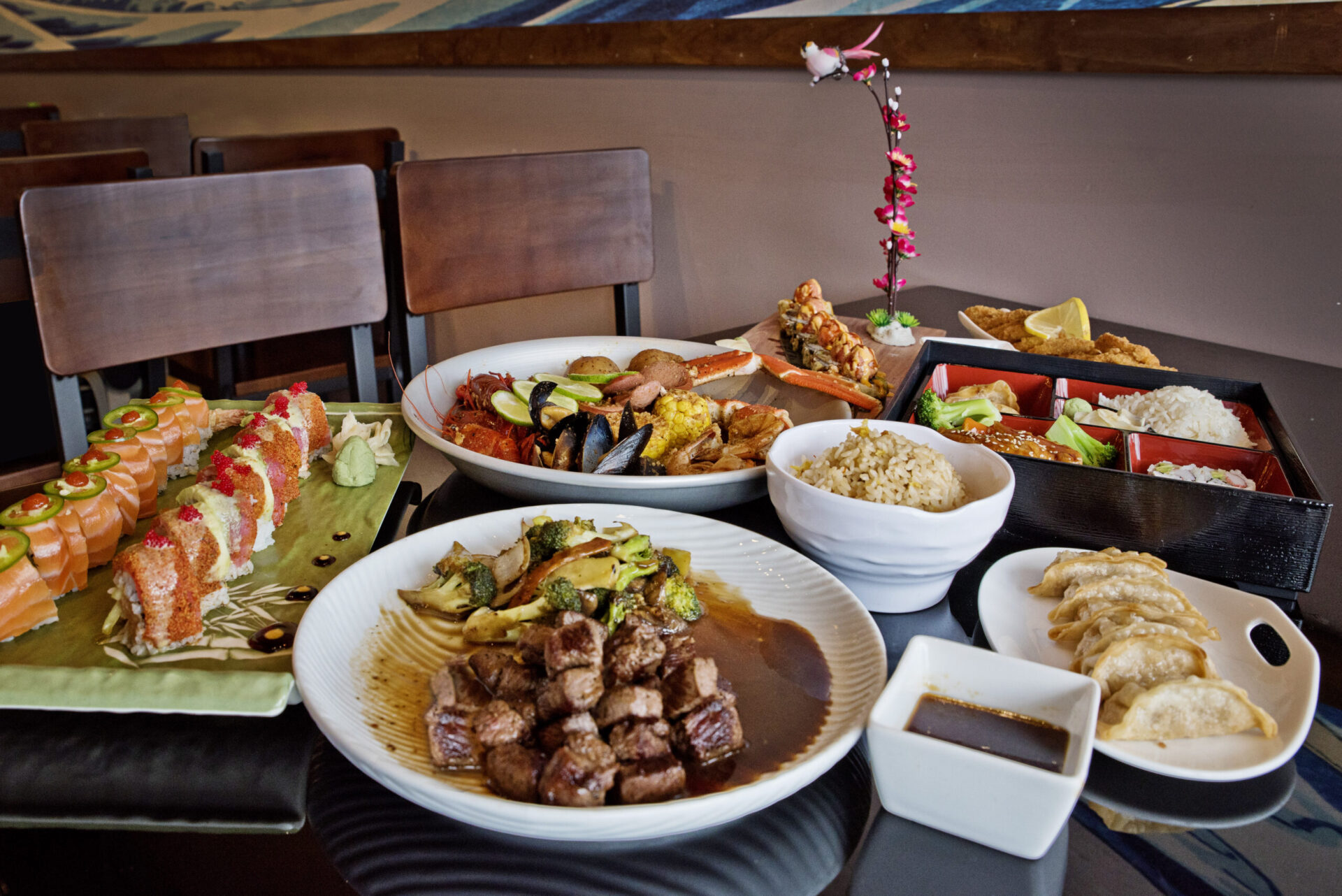 asian food and sushi from ronin sushi