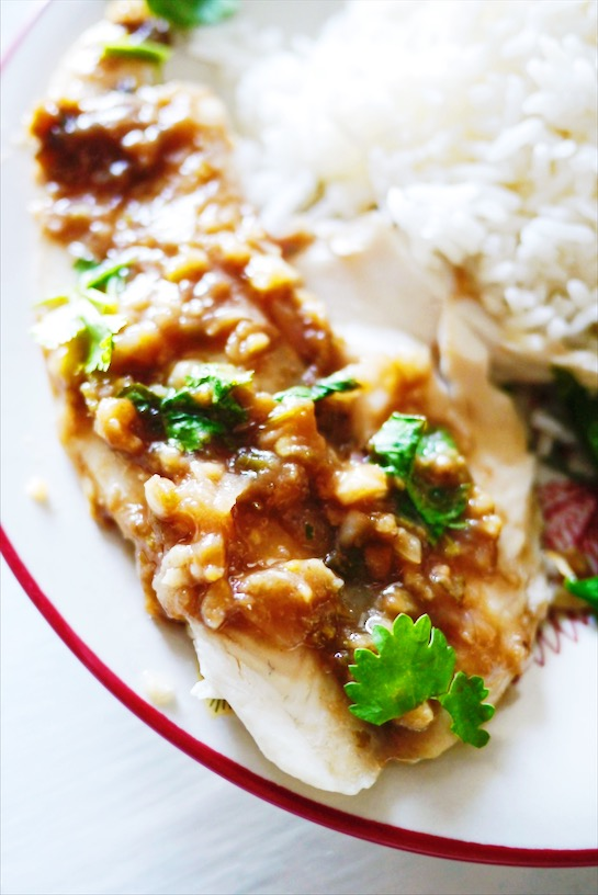 Easy Thai Steamed Tilapia with Spicy Tamarind Sauce: Super quick week night meal that tastes like it's from a nice Thai restaurant full of flavors like tangy tamarind, spicy Thai chili pepper and melt in your mouth fish? Yes please!   thai-foodie.com