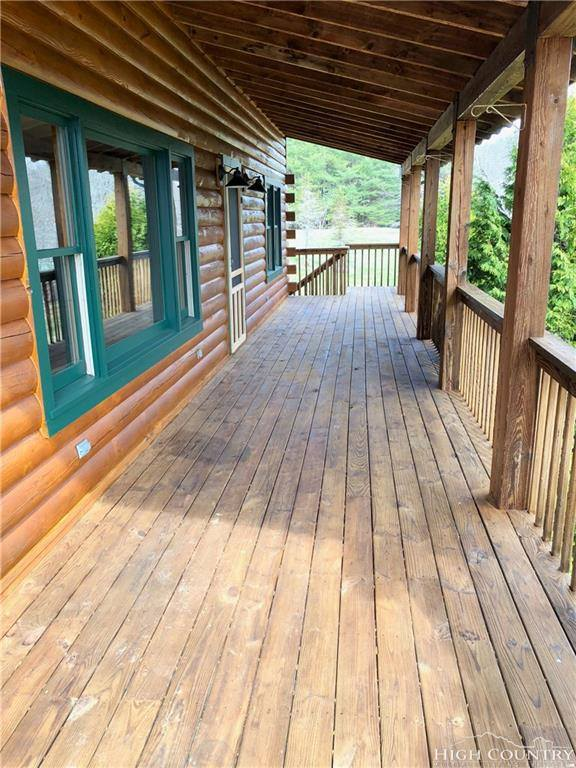 Learn why our Thai-Foodie family is moving from Austin to a log cabin the mountains of NC! | thai-foodie.com