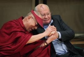 World+Summit+Nobel+Peace+Laureates+Held+Chicago+ldbArhud371x