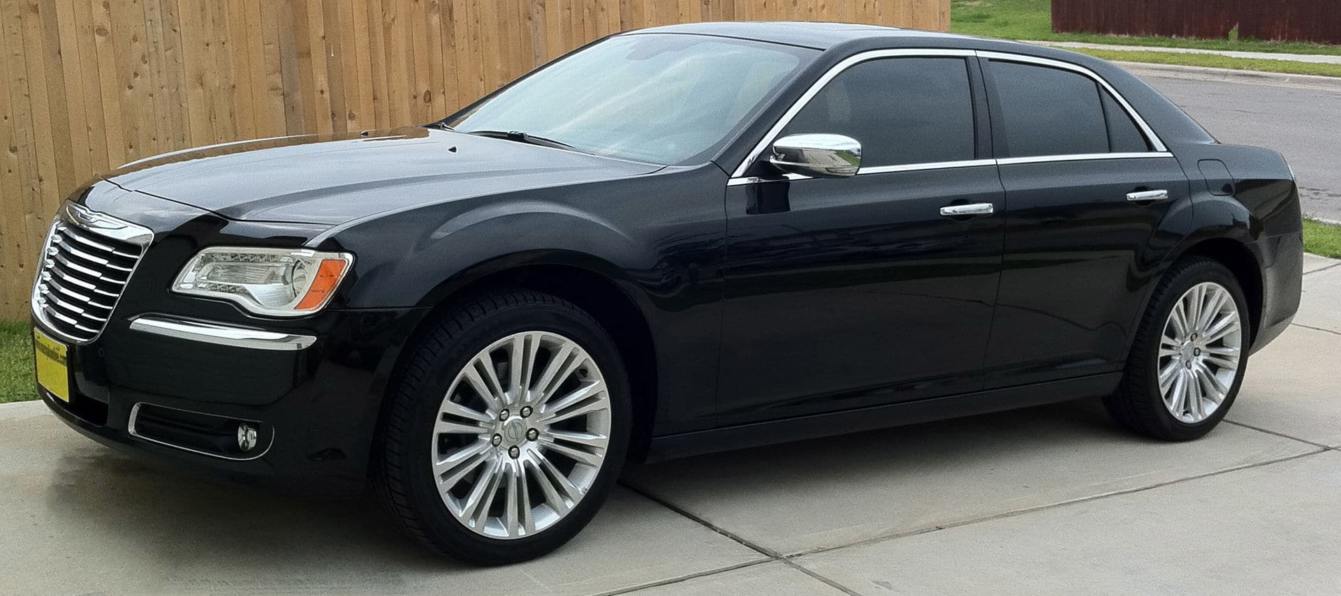 Chrysler 300 Auto Glass Repair and Replacement
