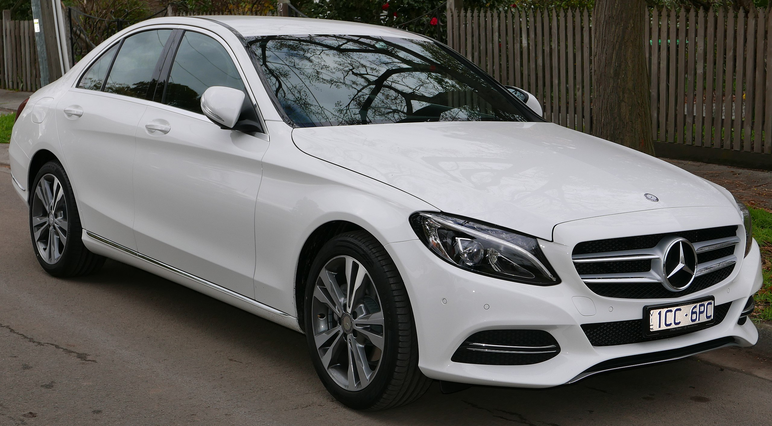 Mercedes C Class Auto Glass Repair and Replacement