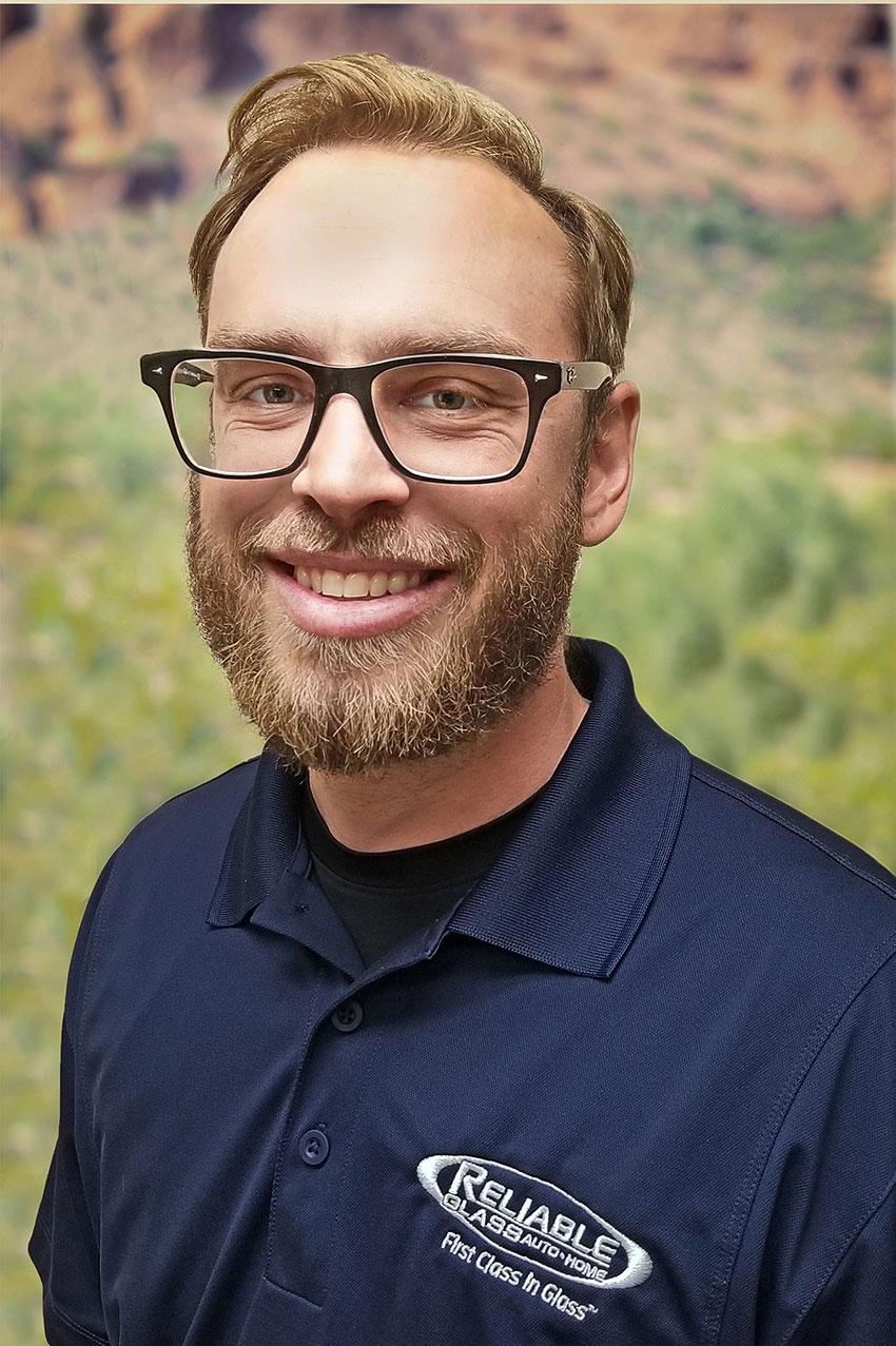 Joey-Loisel - Reliable Glass Technician