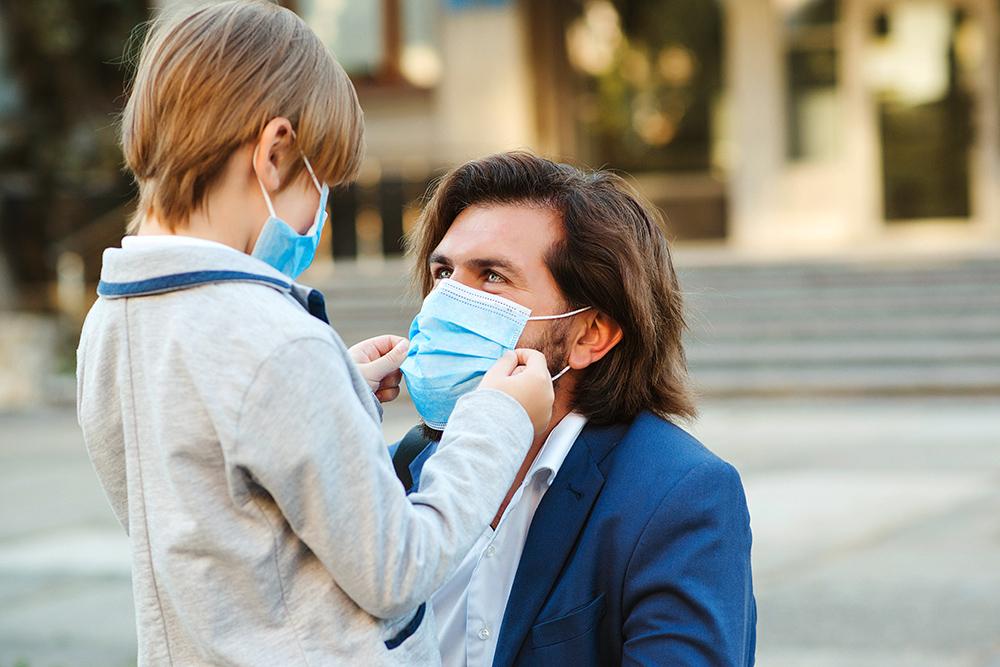 Seis maneras en que padres y madres pueden ayudar a sus hijos durante el conoravirus