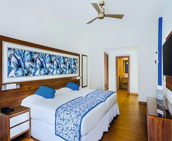 pie de cama para hotel