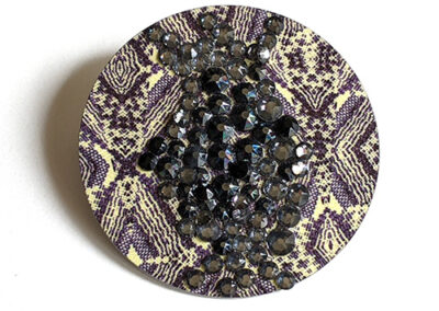 Round Crackle Brooch