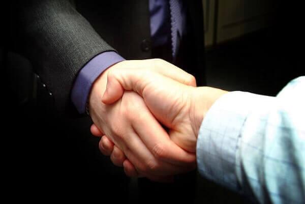 informant shaking hands