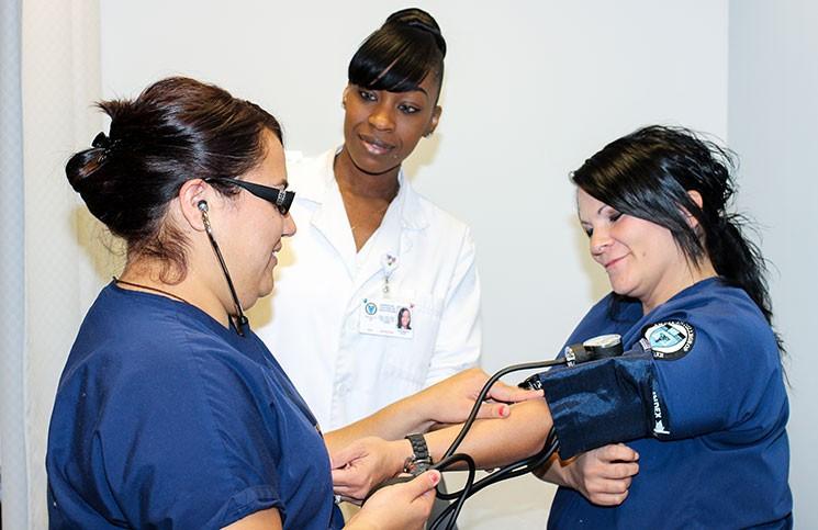 medical-assistant-1