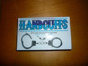 Handcuffs (800x600) (2)