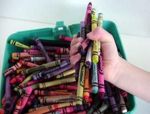 file000118281268-crayons
