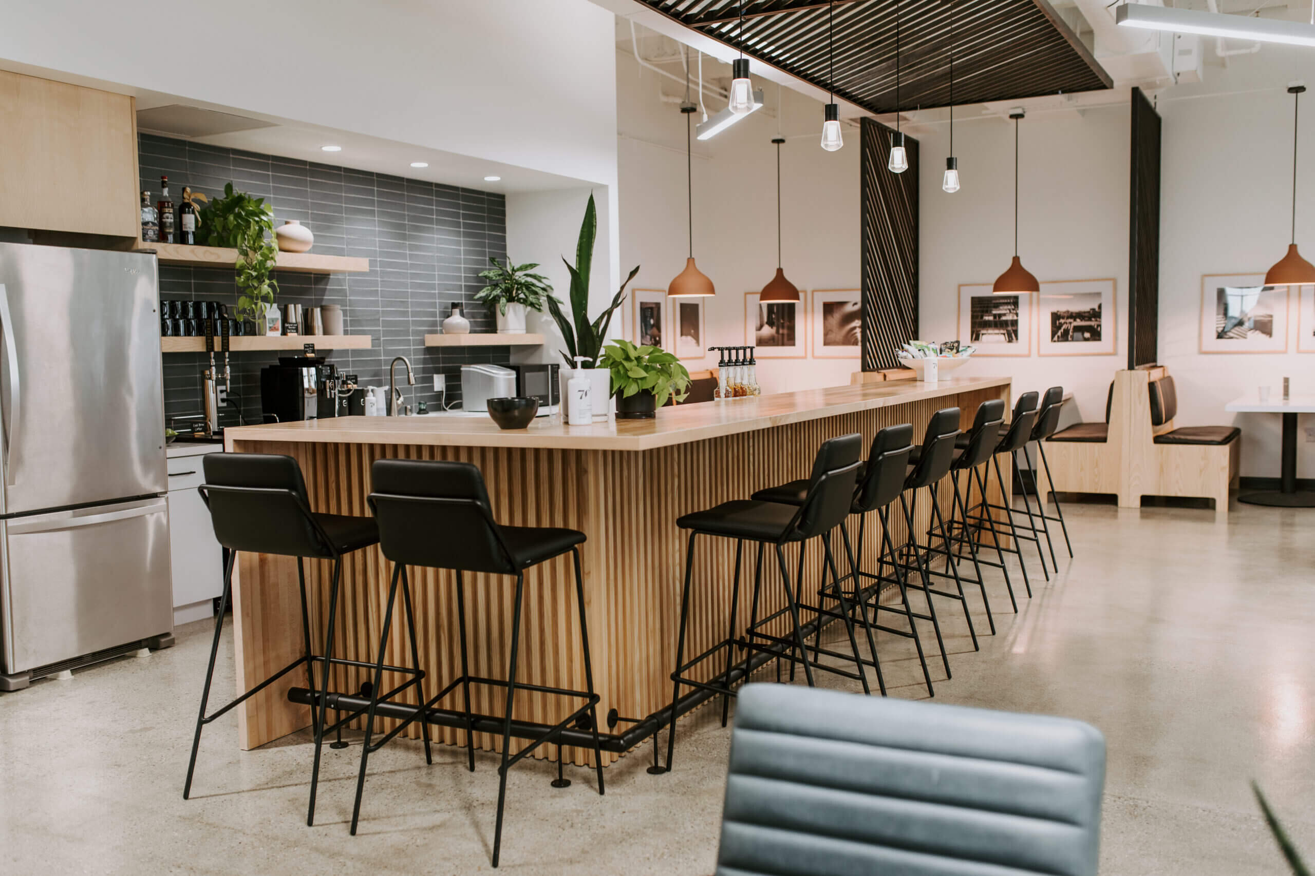 Justice HQ DTLA kitchen and bar area