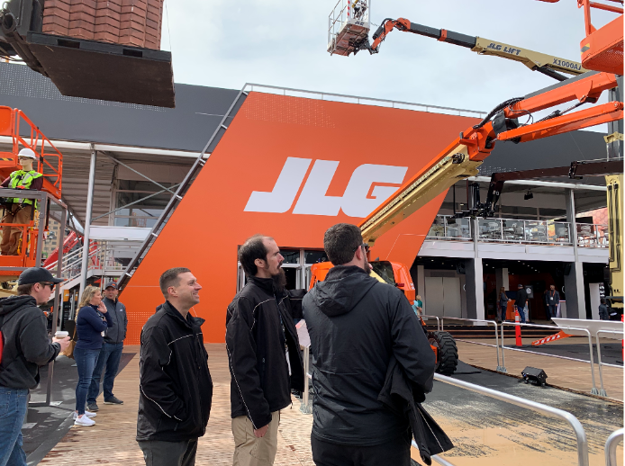 JLG's Booth