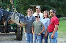Family That Caught 1000 Pound Alligator
