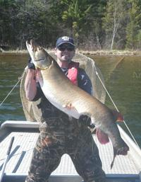 49.3 inch Trout Lake muskie