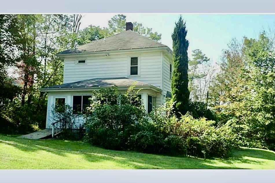 farmhouse help vintage home white farmhouse forgotten farmhouse