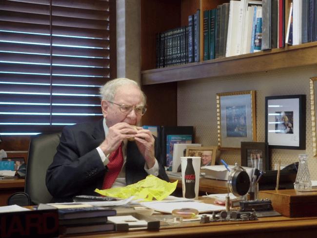 Warren Buffets Desk