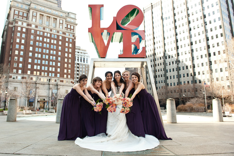 Wedding-love-park-Philadelphia-trolley-rental