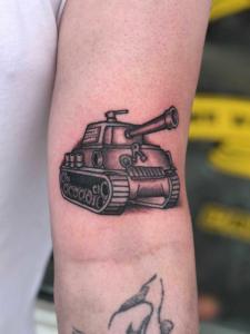 tank tattoo by Dylan Llewellyn
