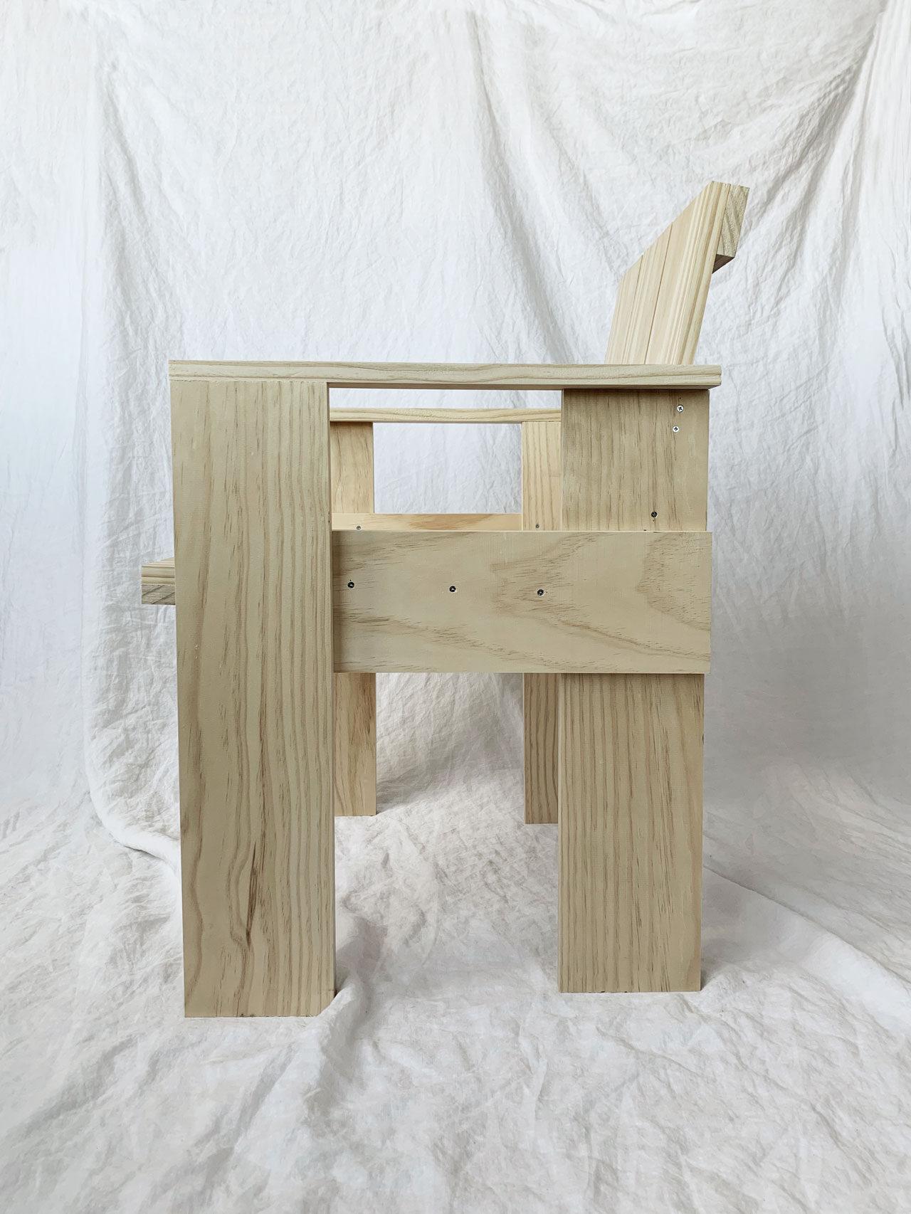 Crate Chair DIY by Gerrit Rietveld