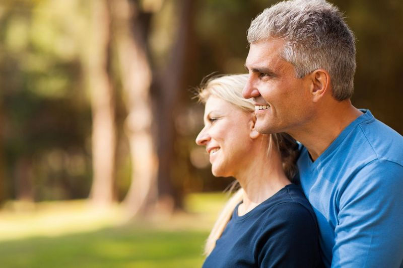6 Reasons Why Women Age Faster Than Men