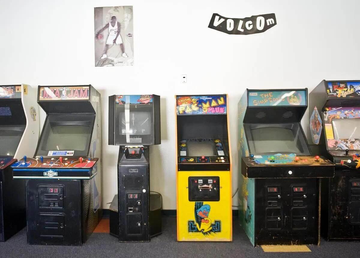 Orangewood Gameroom | About La Casa