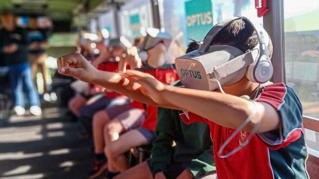 Virtual Reality Workshops & Training on board the Think Digital Coach
