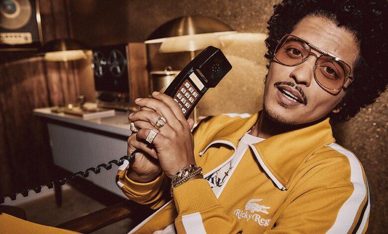 Bruno Mars quiere estar en los Grammy 2021 y ya lanzó su petición.