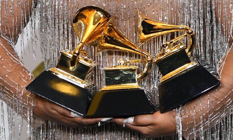 Los Grammy Awards se posponen hasta marzo 🏆