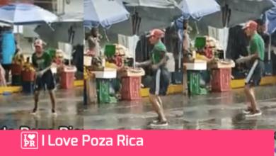 Captan a señor bailando bajo la lluvia en el centro de Poza Rica