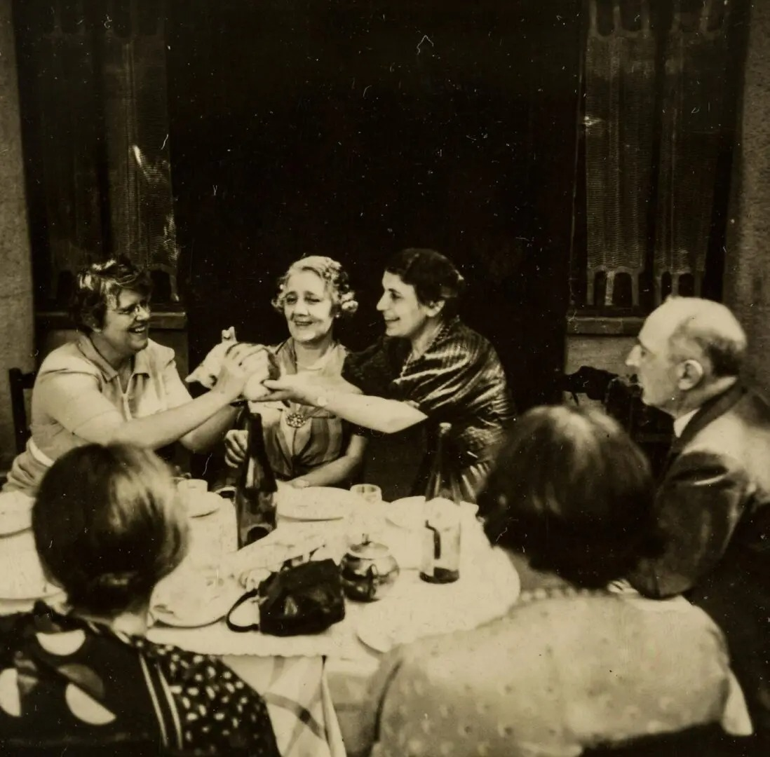 Anna Freud (center) with Melanie Klein (to her left) and Ernst Jones (far right)